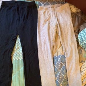 Lot of two pair of girls leggings size 7 & 7/8